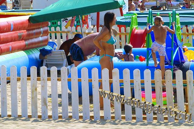 Пляж Джемете пляжные аттракционы для детей
