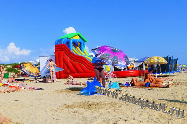 Пляж Джемете водная горка
